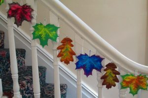 Paper leaves to decorate your home