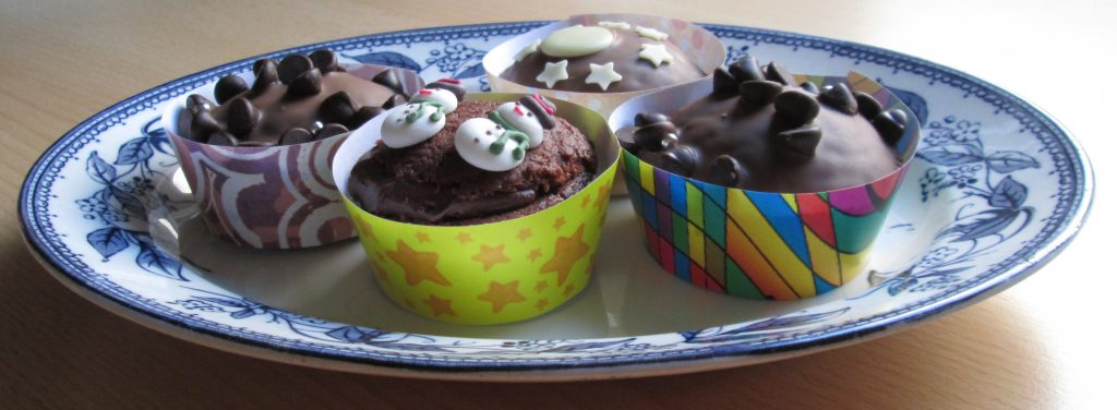 chocolate-cupcakes-in-homemade-cupcake-wrappers