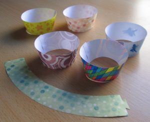 kids-party-craft-cupcake-wrappers