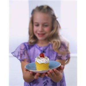 little-girl-with-a cupcake