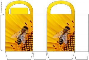 Beautiful gift bag to prit for anyone who likes bees, not to mention for World Bee Day.